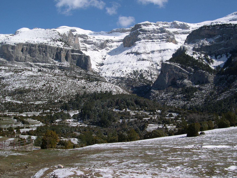 Paisaje invernal en las gargantas de Escuaín